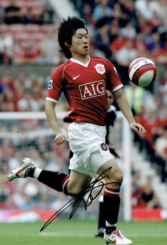 Ji Sung Park - Manchester United - 10 x 8 Autographed Picture