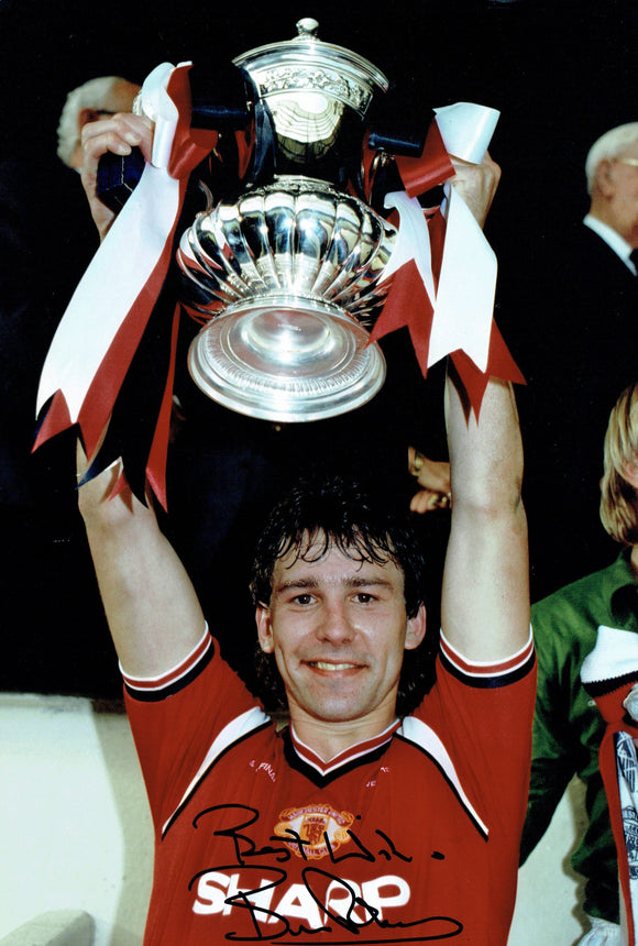 Bryan Robson - Manchester United - 1985 F.A.Cup Winner - 12 x 8 Autographed Picture