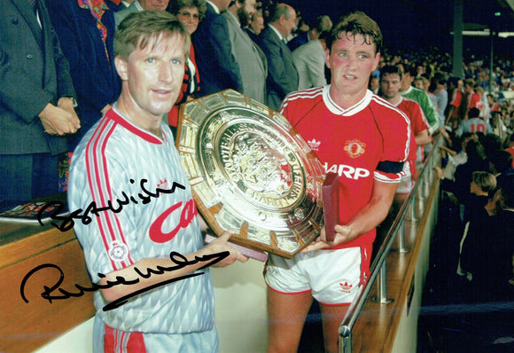 Ronnie Whelan - Liverpool F.C. - 1990 Charity Shield - 12 x 8 Autographed Picture