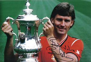 Bryan Robson - Manchester United - 1985 F.A. Cup Winner - 12 x 8 Autographed Picture
