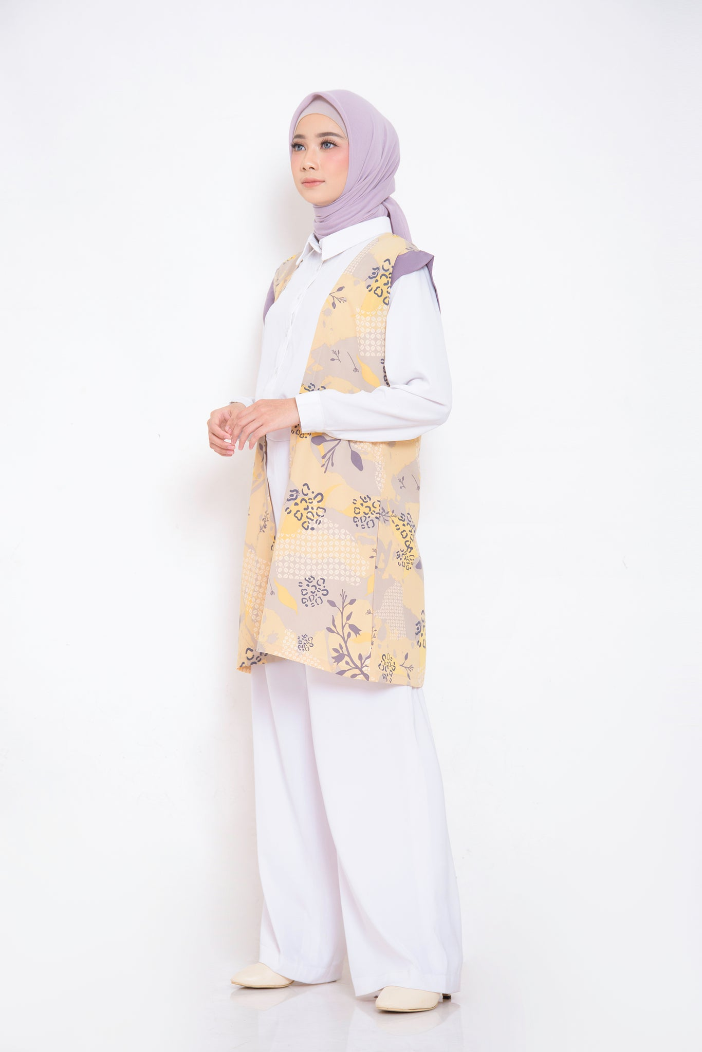 ZM - Melly Cream Outer - Jelita Indonesia - Edisi Sidikalang
