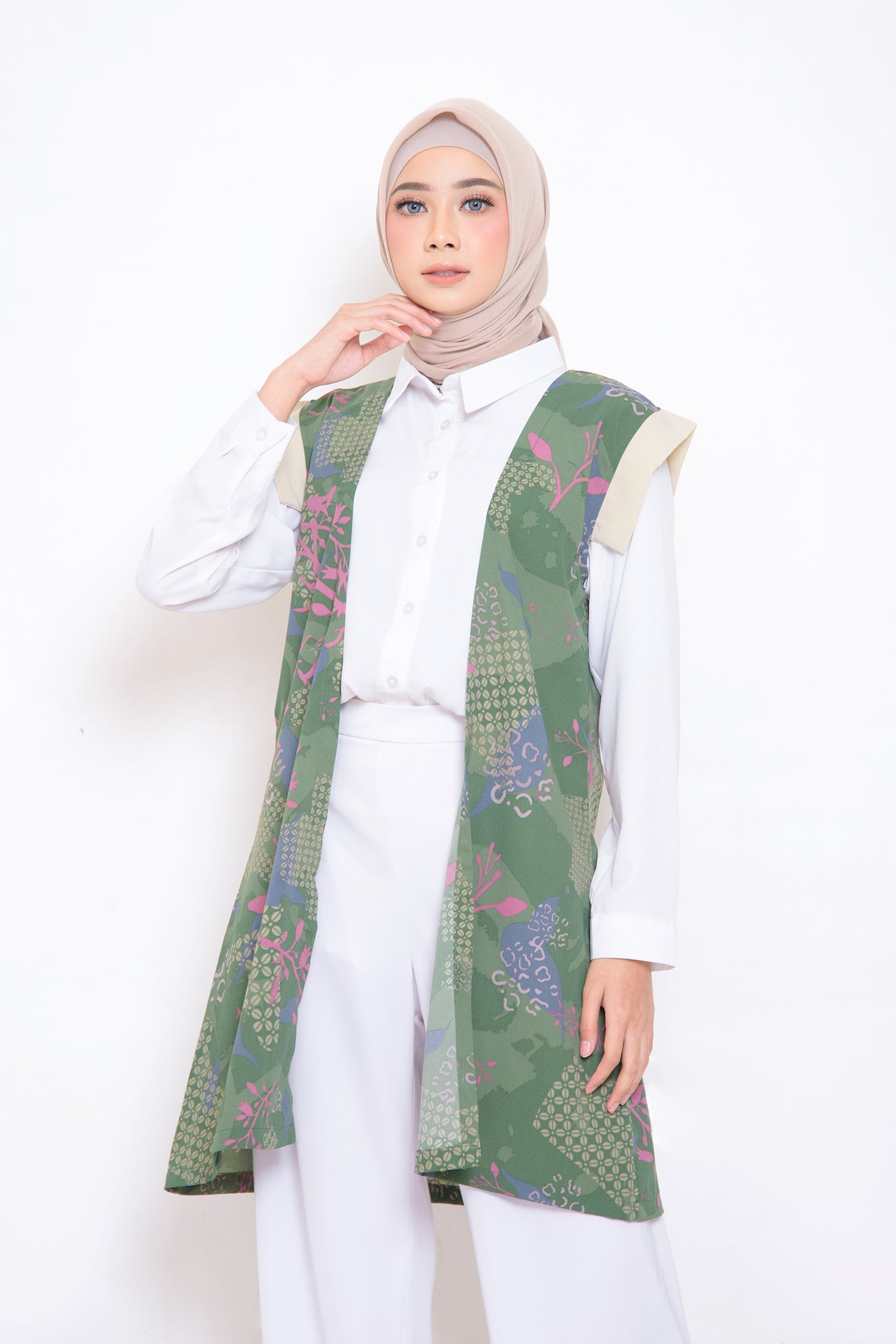 ZM - Melly Green Outer - Jelita Indonesia - Edisi Sidikalang