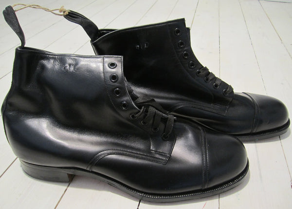 Boots/camp boot, in black leatherFloby Överskottslager