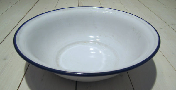 Washbasin in enamel, used-Floby Överskottslager