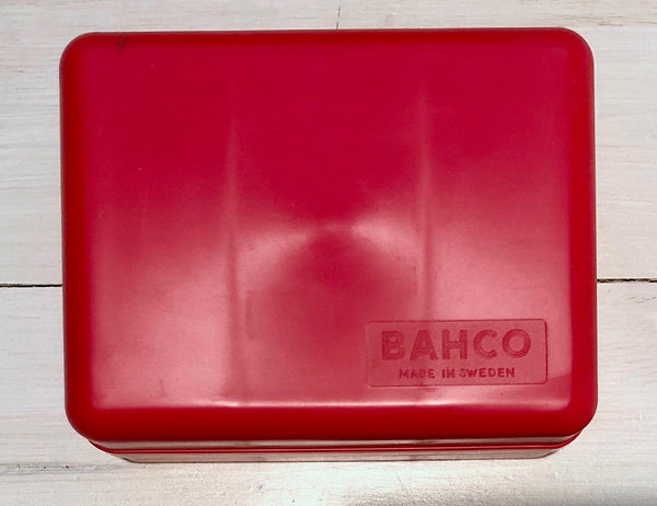 Storage box in red plastic, BahcoFloby Överskottslager