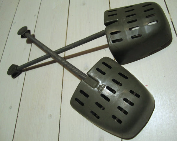Shoe blocks, use-Floby Överskottslager