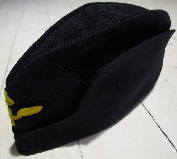 Boat cap flying navy blue in diagonal gownFloby Överskottslager