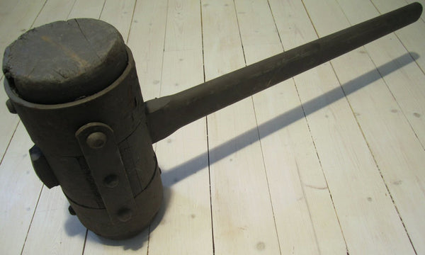 Large wooden club, use-Floby Överskottslager