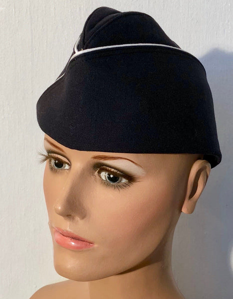 Navy blue navy cap with white borderFloby Överskottslager