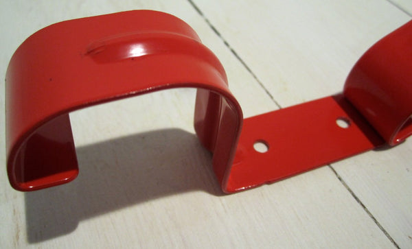 Suspension in red lacquered sheet metalFloby Överskottslager