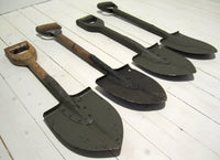 Shovel/infantry shovel with shaft made entirely of wood, usedFloby Överskottslager