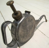 Oil can with curved spout, usedFloby Överskottslager