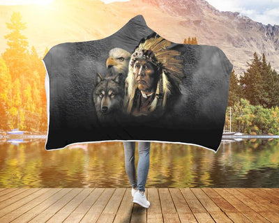 NATIVE AMERICAN INDIAN EAGLE WOLF SPIRIT ANIMALS HOODED BLANKET