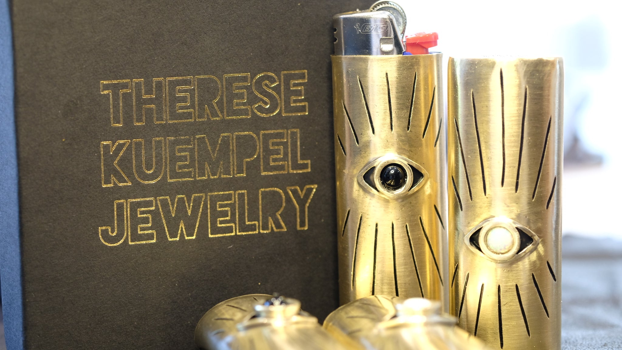 THERESE KUEMPEL EYE LIGHTER CASE