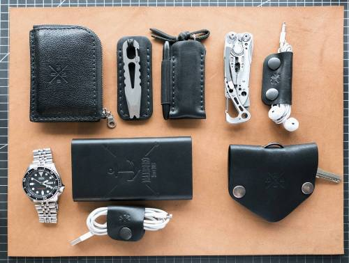submitted by NikoLeatherman  Skeletool Apple EarPods Manboro...