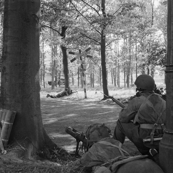 The British Airborne Division at Arnhem and Oosterbeek in Holland