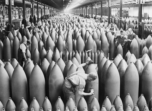 Munition workers painting shells at the National Shell Filling Factory No.6, Chilwell, Nottinghamshire in 1917.