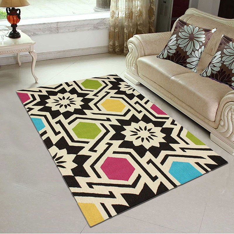 Laetus - A colorful contemporary area rug