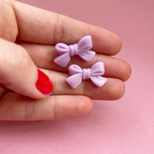 Load image into Gallery viewer, Lilac Bow Earrings