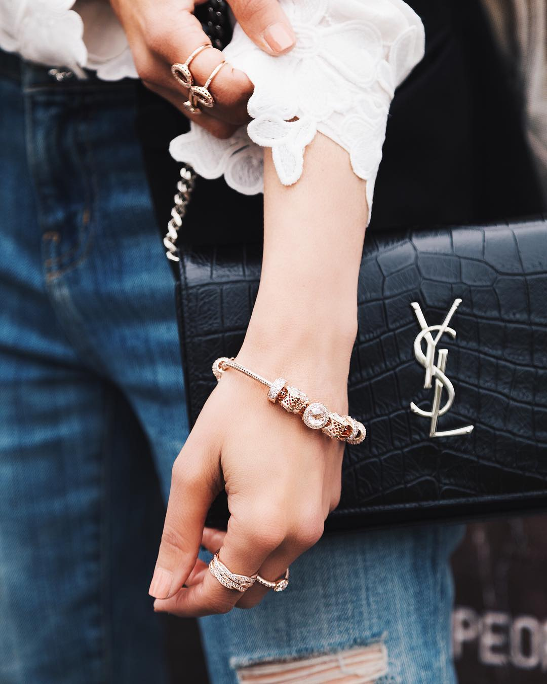Blogger wearing Pandora Rose