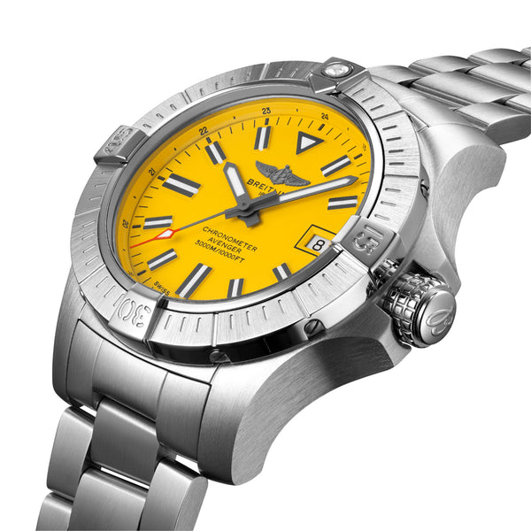 Breitling Avenger Automatic 45 Seawolf Steel Yellow A17319101I1A1 Crown