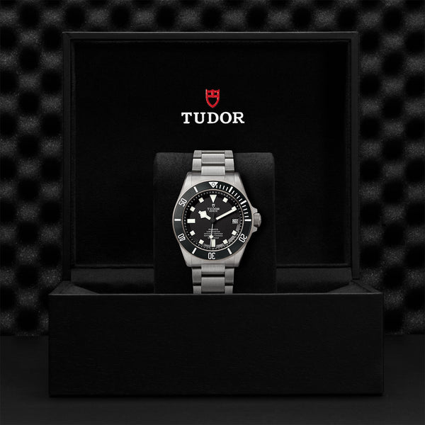 Tudor Pelagos Watch Black Dial & Titanium Bracelet 42mm M25600TN-0001 Presentation Box