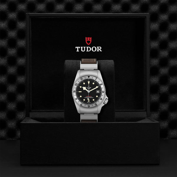 Tudor Black Bay P01 M70150-0001 Presentation Box