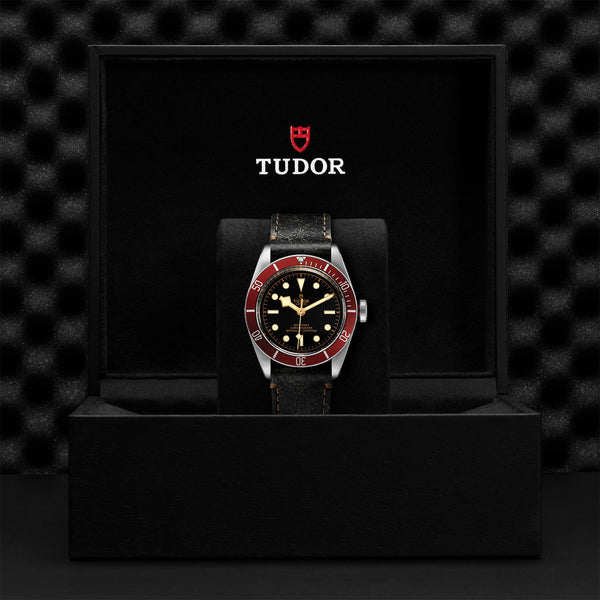 Tudor Black Bay Watch Burgundy Bezel & Brown Leather Strap 41mm M79230R-0011 Presentation Box