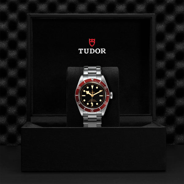 Tudor Black Bay Watch Burgundy Bezel & Steel Bracelet 41mm M79230R-0012 Presentation Box
