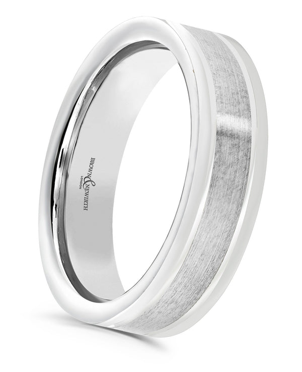 Mens Affinity wedding ring from Brown & Newirth offers a modern flat top court profile with a masculine v cut detailing finished with a stylish brushed centre and polished edges.