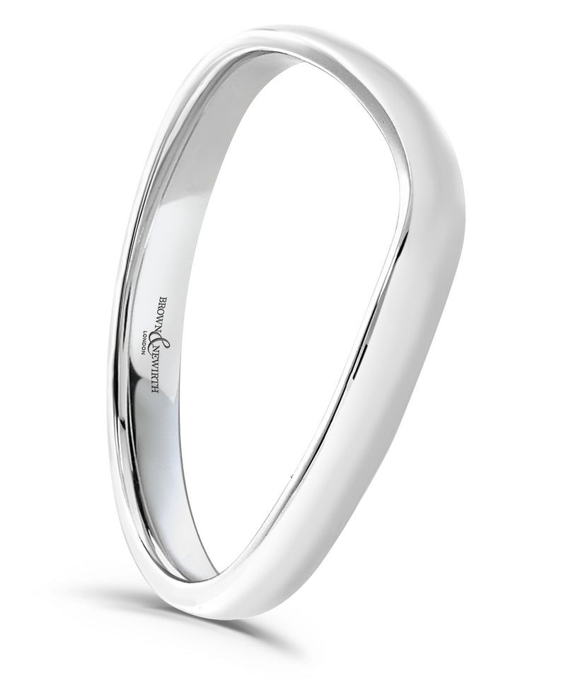 Ladies handcrafted Camber wedding ring from Brown & Newirth offers an elegant wishbone style finished in a lustrous high polish. B&N style code EX348