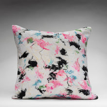 Load image into Gallery viewer, BLOSSOM pillow