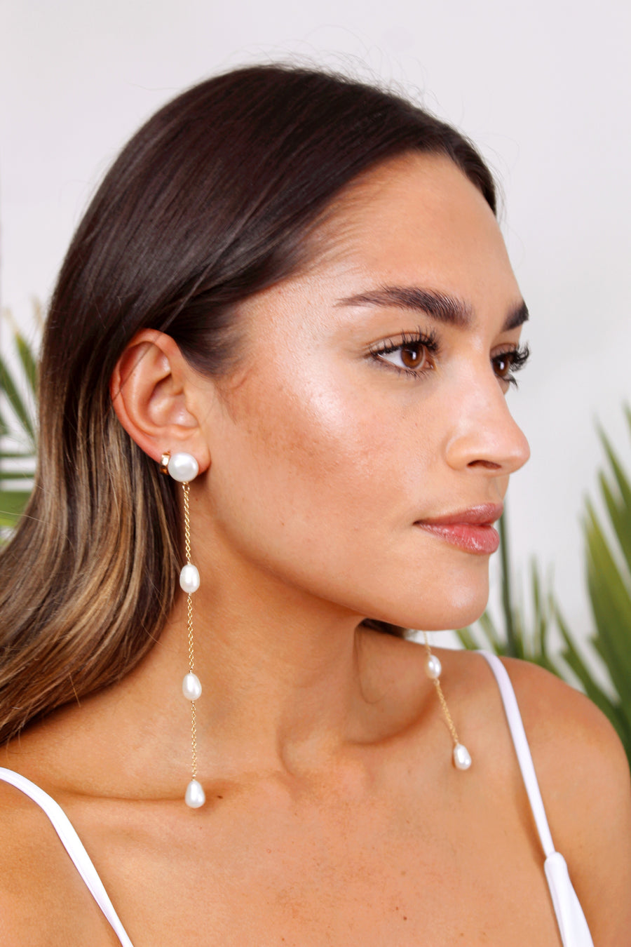 Shoulder Dusting Pearl Earrings - The Beach Bride by Chic Parisien, a destination for beach weddings, bachelorettes and honeymoons