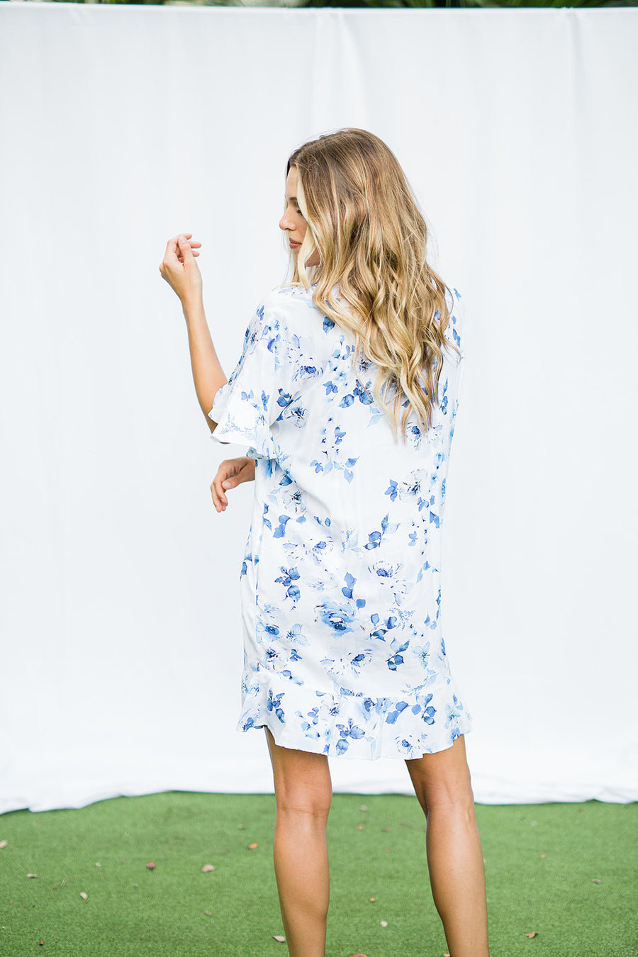 Bridesmaid Floral Flutter Sleeve Robe - The Beach Bride by Chic Parisien, a destination for beach weddings, bachelorettes and honeymoons