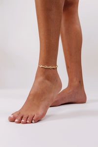 San Juan Gold Cowrie Anklet - The Beach Bride by Chic Parisien, a destination for beach weddings, bachelorettes and honeymoons