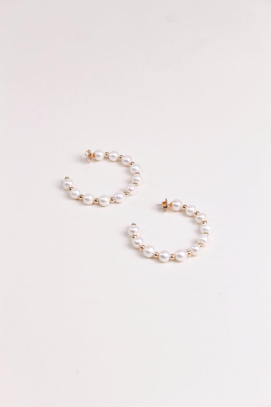 Maldives Pearl Hoop Earrings - The Beach Bride by Chic Parisien, a destination for beach weddings, bachelorettes and honeymoons