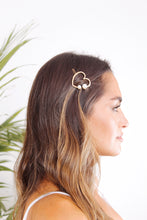 Load image into Gallery viewer, Heart Pearl Barrette - The Beach Bride by Chic Parisien, a destination for beach weddings, bachelorettes and honeymoons