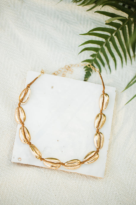 Montego Bay Gold Shell Choker - The Beach Bride by Chic Parisien, a destination for beach weddings, bachelorettes and honeymoons