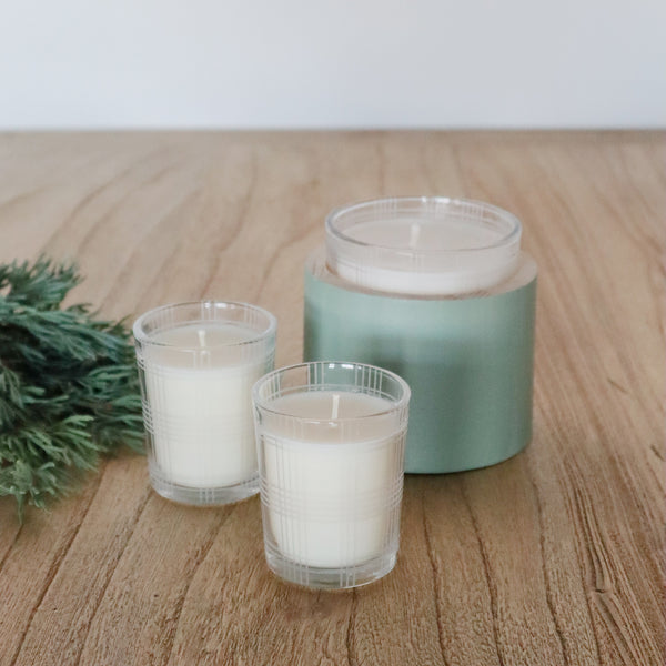 crown and birch illume good cheer glass candle winter mint scene