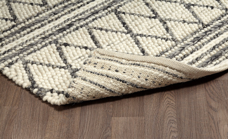 crown and birch aberdeen rug angle
