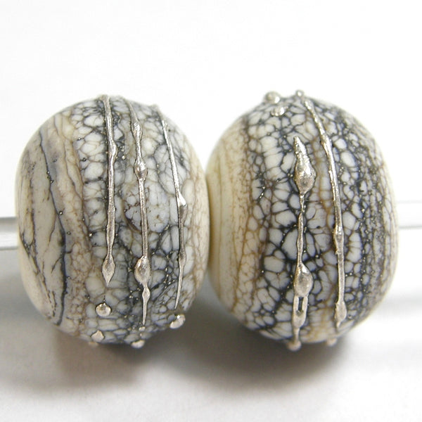 Handmade Lampwork Glass Beads, Silvered Ivory, Silver, Shiny, Glossy 276sigfs