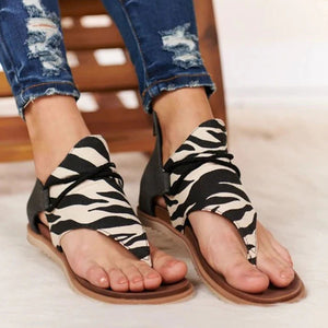 2020 New Fashion Retro Leisure Flat Sandals