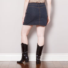 Load image into Gallery viewer, 2000s Bisou Bisou Denim Skirt