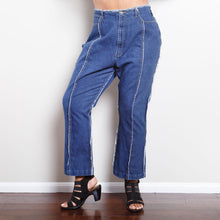 Load image into Gallery viewer, 90s Distressed Flair Jeans