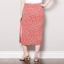 Load image into Gallery viewer, 90s Midi Floral Skirt with Slits