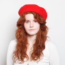 Load image into Gallery viewer, 90s Red Wool Beret