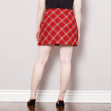 Load image into Gallery viewer, 90s/2000s High Waisted Red Plaid Skirt