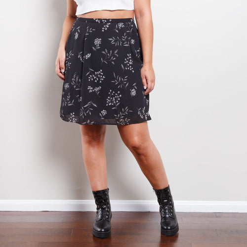 Deadstock 90s Floral Black and White Skirt