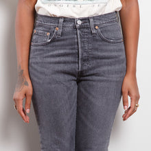 Load image into Gallery viewer, Grey 501 Levi's Jeans