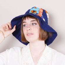 Load image into Gallery viewer, 90s does 60s Floppy Hat